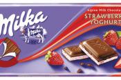 Milka Mliečna čokoláda z alpského mlieka s náplňou s jahodovo jogurtovou príchuťou 100 g